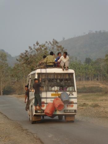 Garo bus.