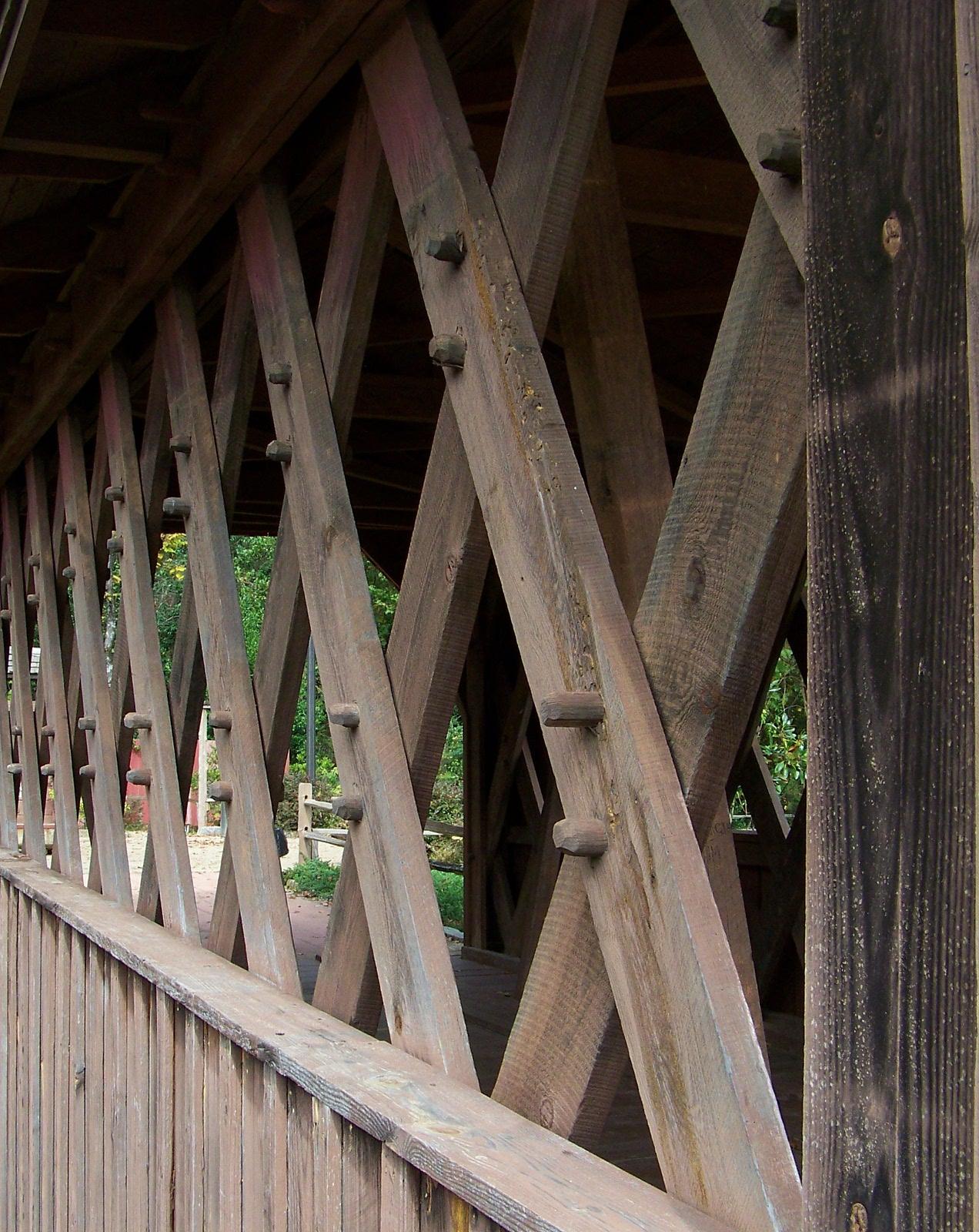 Detail of the Town Truss of Salem-Shotwell Bridge.
