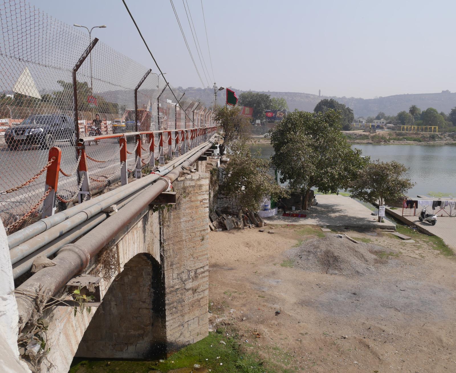 View of the Gambhiri bridge from the western bank.