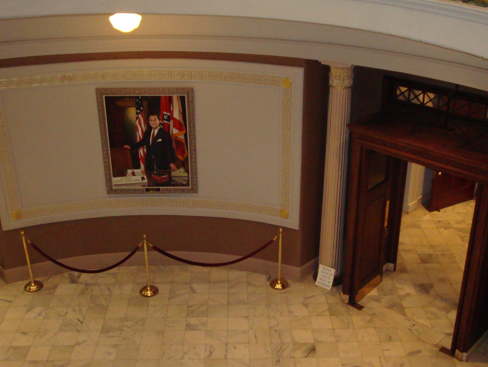 Context of George Wallace portrait in Alabama State Capitol, 2011.