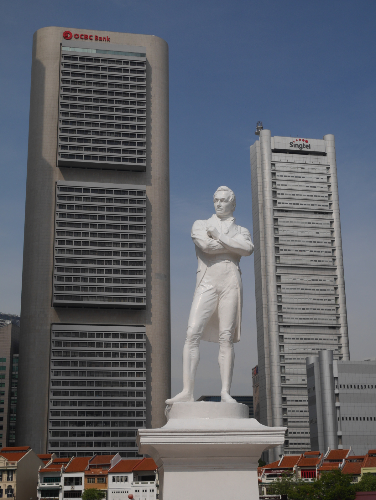 Statue of Sir Thomas Stamford Raffles in Singapore.