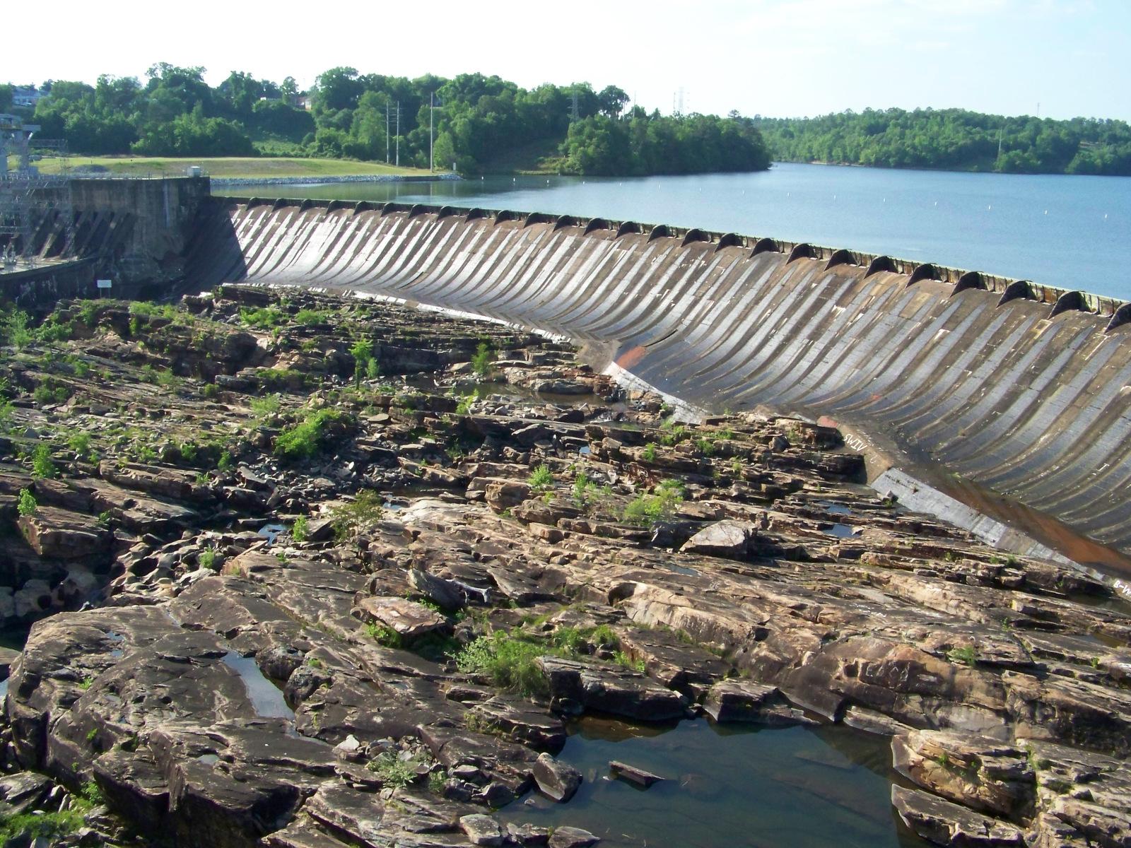 Thurlow Dam face